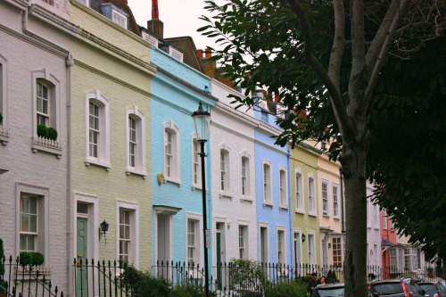 Pretty-Pastel-Houses-in-Chelsea-London-Small