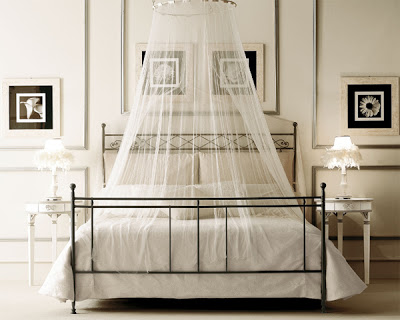 bedroom-theme-canopy-bed-ideas-white-black-beige-wall-paper-design-modern-stylish-romantic-sheer-drapes-inspiration-winter-style-neat-sophistication